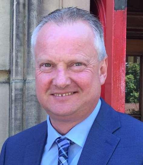 Mr Dean Grierson